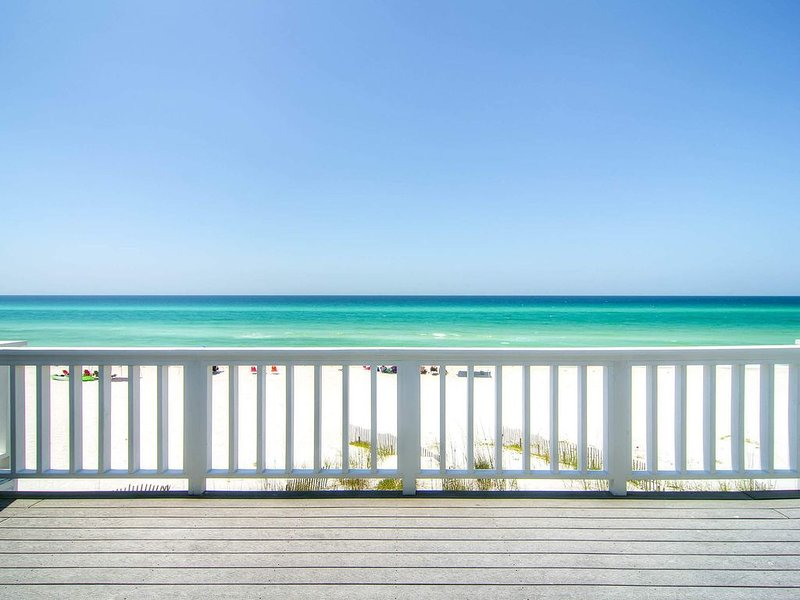 GulfFront Balcony☀️Small Complex☀️Inspected &Disinfected☀️2BR SeaRenity at Inlet, vacation rental in Inlet Beach