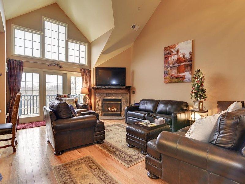 ★'Winding Brook'★Mtn Creek SKI Resort Condo★Deck★Lake★Pools★100 inch TV★09-23M, vacation rental in Vernon