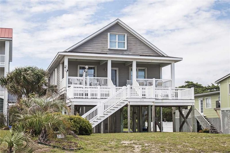 Tranquility at the beach - Screened Porch, holiday rental in Long Beach