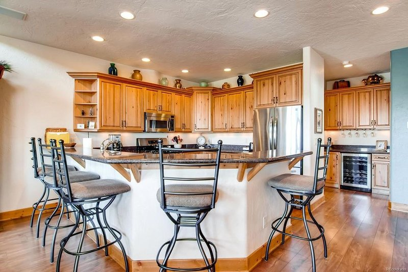 Large Fully Equipped Kitchen in Steamboat Springs Townhome Rental.