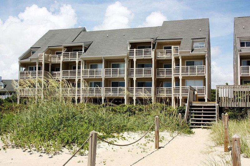 Kathys Vista: 2 BR / 1 BA condo in Caswell Beach, Sleeps 4, location de vacances à Caswell Beach