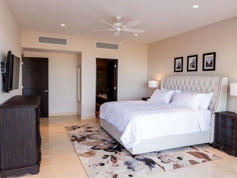 CASCADAS 712- BRAND NEW THREE BEDROOMS, alquiler de vacaciones en Cabo San Lucas