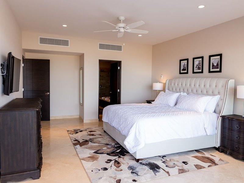 CASCADAS 712- BRAND NEW THREE BEDROOMS, holiday rental in Los Cabos