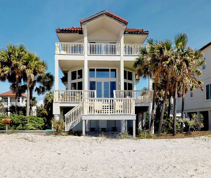 FREE BEACH GEAR! Beachfront East End, Fireplace, Wi-Fi, 4BR/4BA 'Grande Mer', vacation rental in Carrabelle