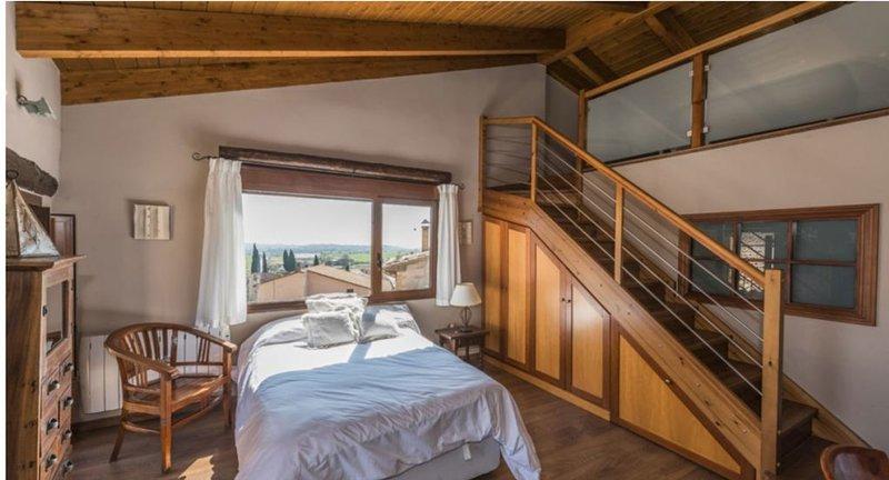 Loft Altillo Merlot en Adahuesca, holiday rental in Salillas