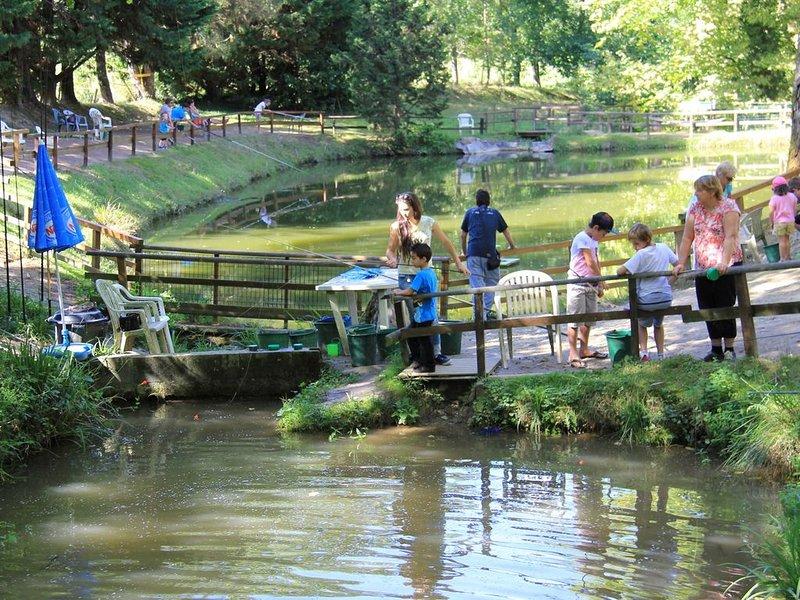 Per visitare nelle vicinanze; Fattorie e parchi zoologici per l'ambiente. 30 minuti