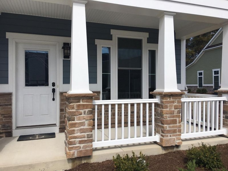 Relaxing Townhome with community pool, and just minutes from the beach!, alquiler vacacional en Fenwick Island