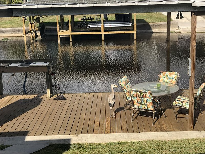 Waterfront, Inground Pool, Covered Boat Dock, Fenced 3/2 Home, holiday rental in Okeechobee