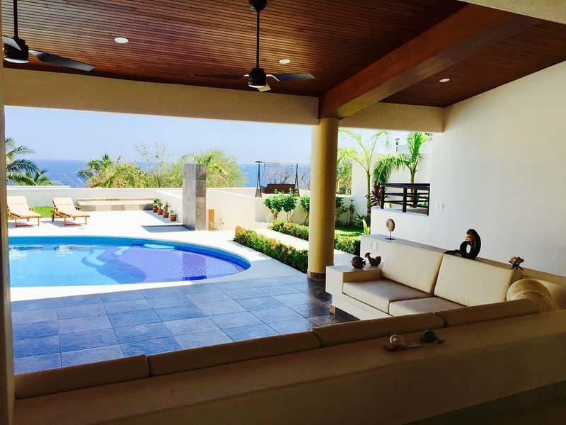 Beautiful house in front of the sea in Huatulco, holiday rental in Huatulco