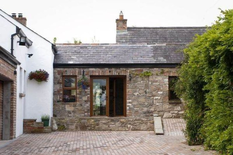 A Family & Pet friendly cottage set in rural surroundings, location de vacances à Newtownards