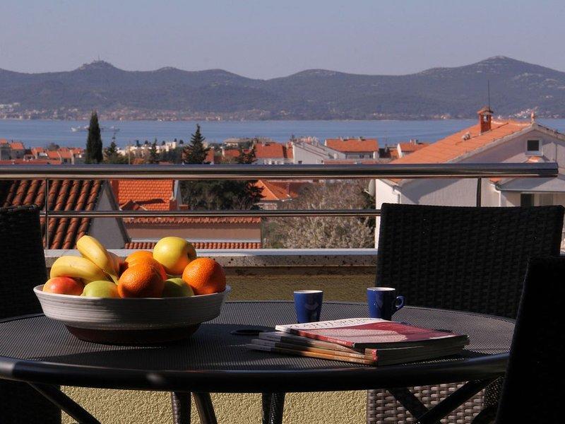 Zadar: Appartement dans résidence, vue sur mer, tout confort, casa vacanza a Zara