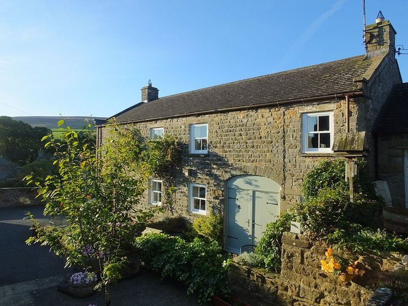 Barn End Cottage: a cosy 'home from home' for four in West Scrafton, Coverdale, vacation rental in West Witton