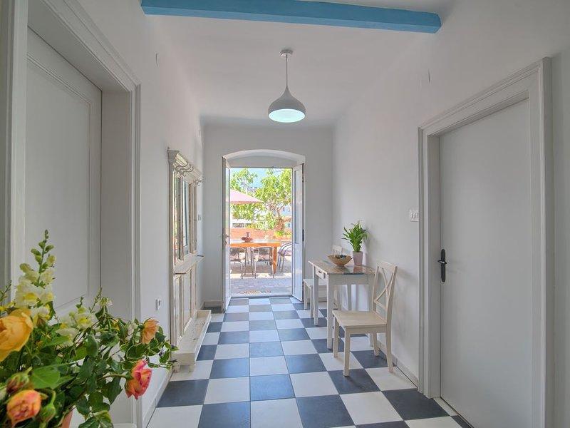Villa in Pula, 5 min walk from the amphitheatre, vacation rental in Pula