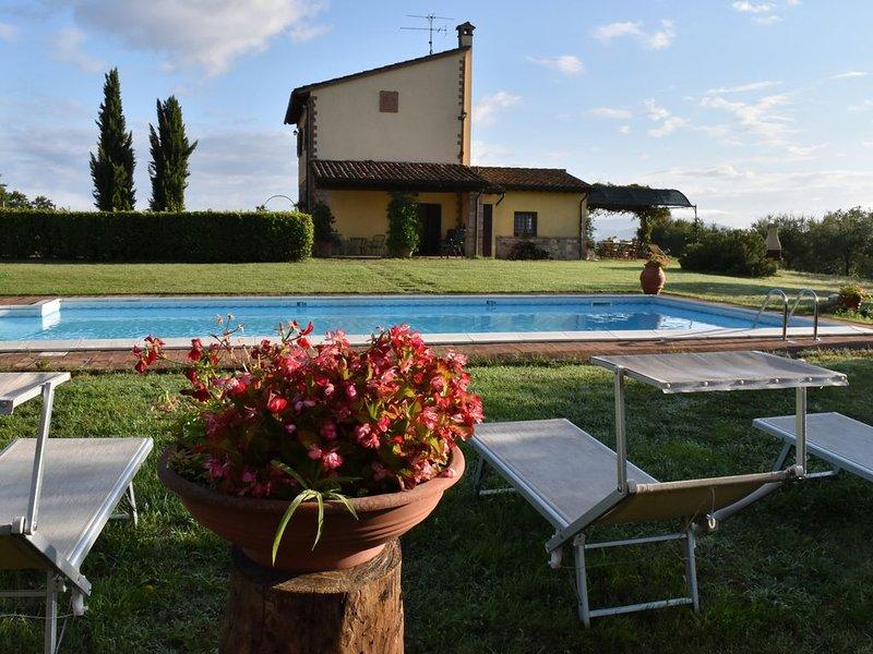 Delightful Umbrian villa, majestic view of Todi, private pool, wifi (sleeps 6-7), location de vacances à Todi