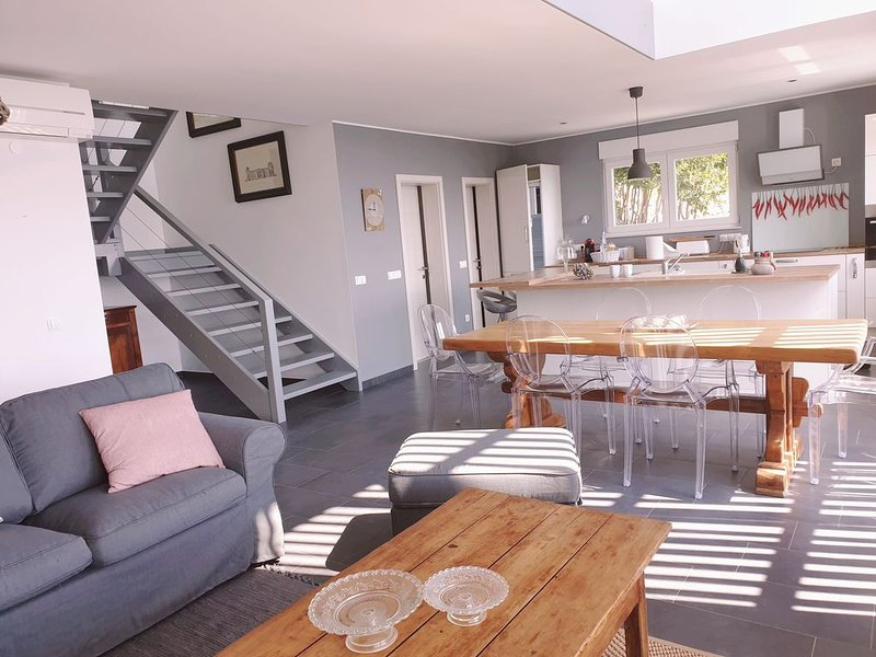 Maison 'les Oliviers', vacation rental in Moscenice