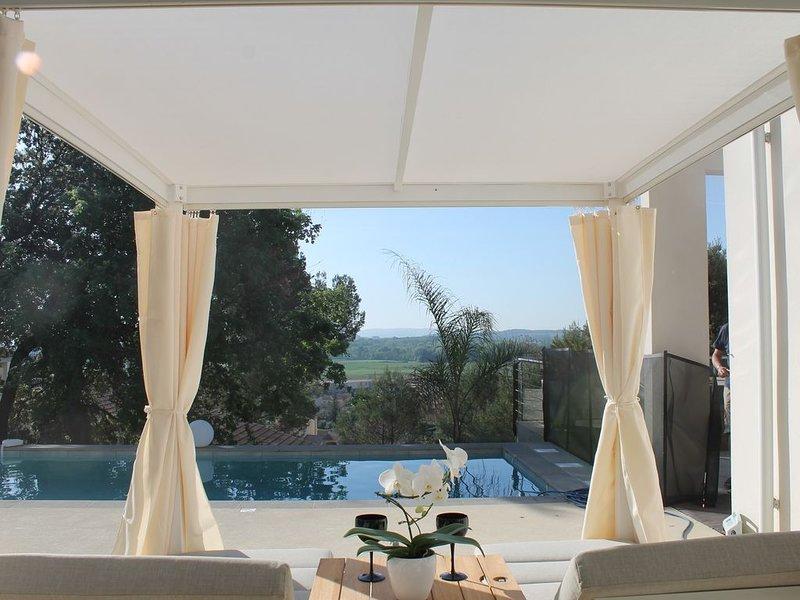 Maison architecte ZEN, luxe, vue, calme, Provence Ardèche, Uzès, Avignon, Arles, aluguéis de temporada em Orsan