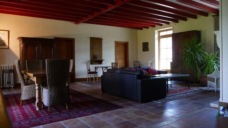 Maison refaite à neuf dans un cadre unique et privilégié !, casa vacanza a Saulnay