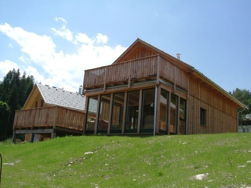 Family chalet with FREE WIFI. Ideal for a relaxing summer or ski holiday break, holiday rental in Stadl-Predlitz