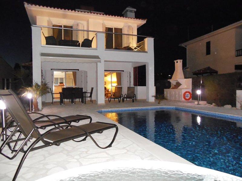 Stylish Villa with Private Pool in the Village of Pissouri, holiday rental in Pissouri
