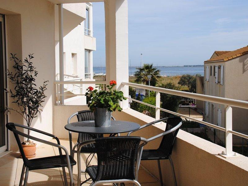 Lägenhet i charmiga byn Marseillan, casa vacanza a Marseillan