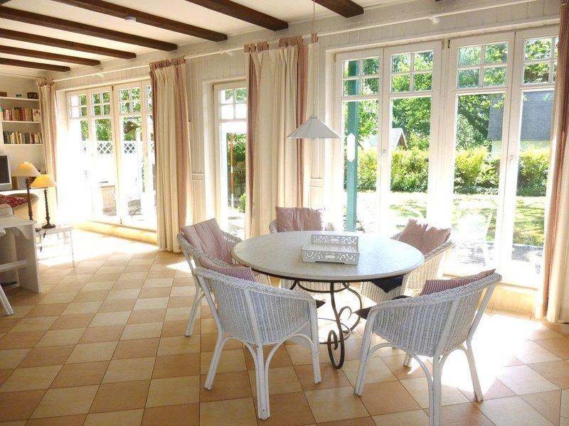 Ferienhaus 'Seepferdchen' mit Garten, Kamin, Internet DSL WLAN, Sauna, casa vacanza a Ostseebad Heiligendamm