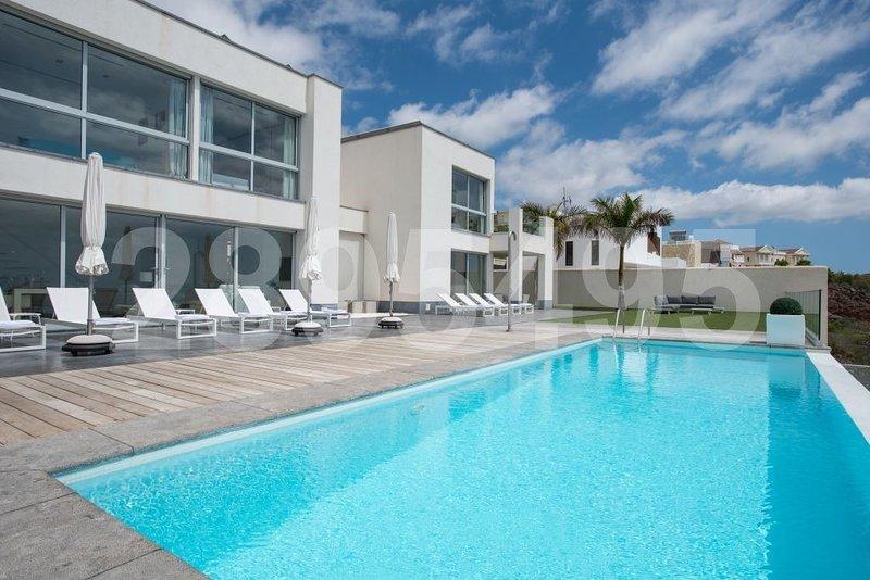 Für Gruppen und Familien die ganz privaten Urlaub schätzen, vacation rental in Playa de Fanabe