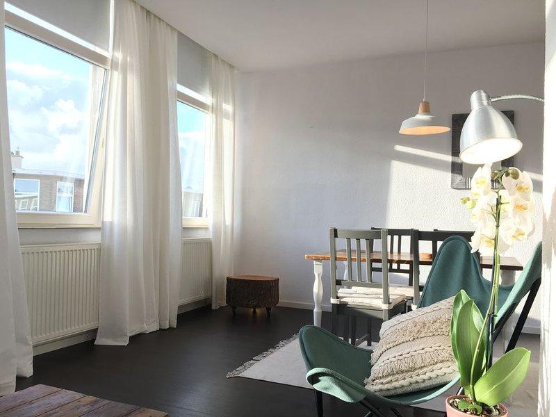 Apartment am Meer 500m vom Strand von Scheveningen!, Ferienwohnung in Den Haag