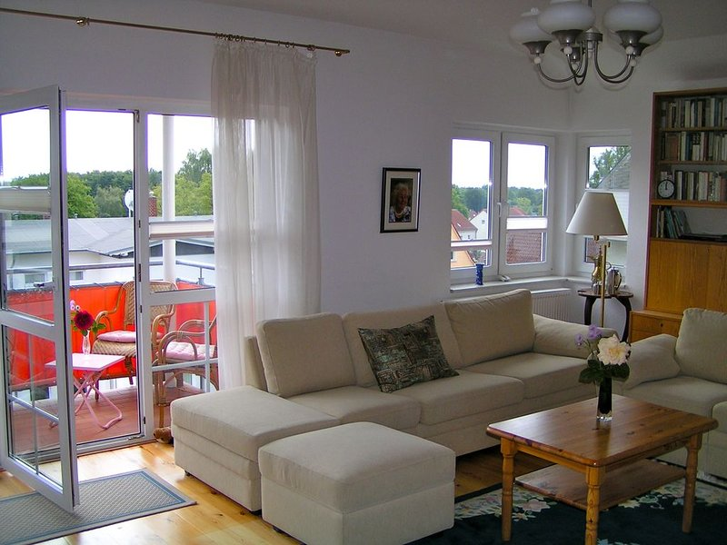 schöne helle strandnahe Ferienwohnung, 300m bis zum Strand, casa vacanza a Zinnowitz