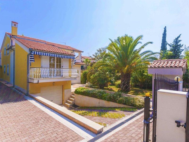 Top-Ferienhaus nur 230 Meter bis zum nächsten Strand, alquiler de vacaciones en Premantura
