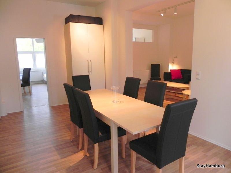 Modernes 4,5-Zimmer-Apartment für bis zu 10 Personen, inkl. WLAN,, vacation rental in Hamburg