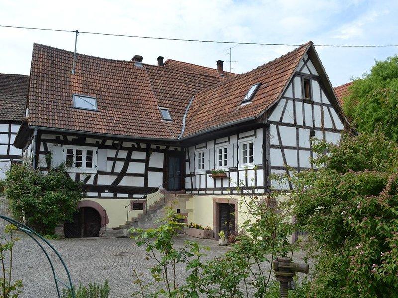 Idyllisches Fachwerkhaus mit großem Garten und Spiel- und Obstwiese, holiday rental in Oberotterbach