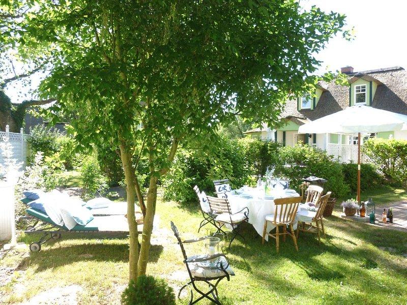 Strandnahes Ferienhaus mit gehobener Ausstattung, Garten, Kamin, WLAN, casa vacanza a Wittenbeck