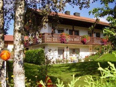 Ferienwohnung BAUER Arnbruck im Bayerischen Wald, 50 qm mit Terrasse und Garten, holiday rental in Upper Bavaria