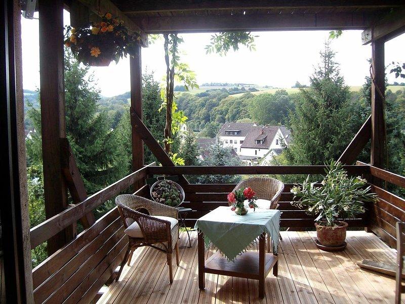 barrierefreie Ferienwohnung mit herrlichem Ausblick, holiday rental in Eitorf