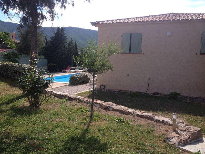Maison pour 4 personnes avec terrasse de 30 m2 et piscine, location de vacances à Osani