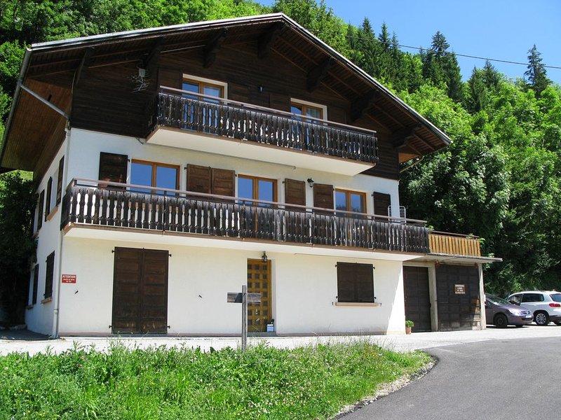 4 Pièces 6/7 Personnes Plein Sud à Proximité Du Village, casa vacanza a Le Grand-Bornand