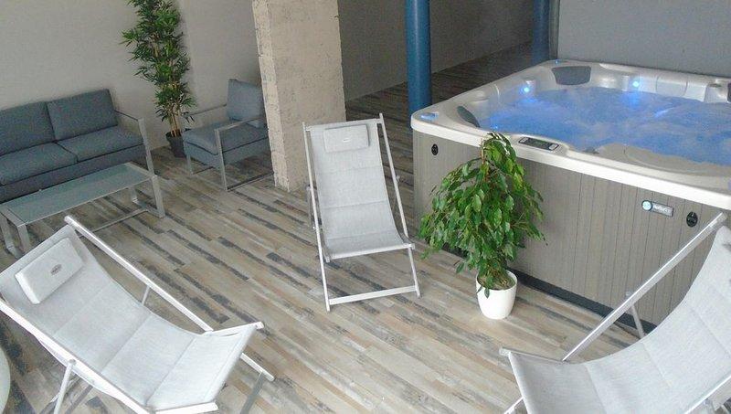 Villa ****  à 50m de la plage, espace détente avec SPA, casa vacanza a Plouescat
