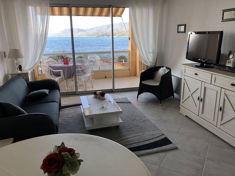Propriano à 40 m devant la plage; Vue mer panoramique; 2 à 4 pers; climatisé., location de vacances à Viggianello