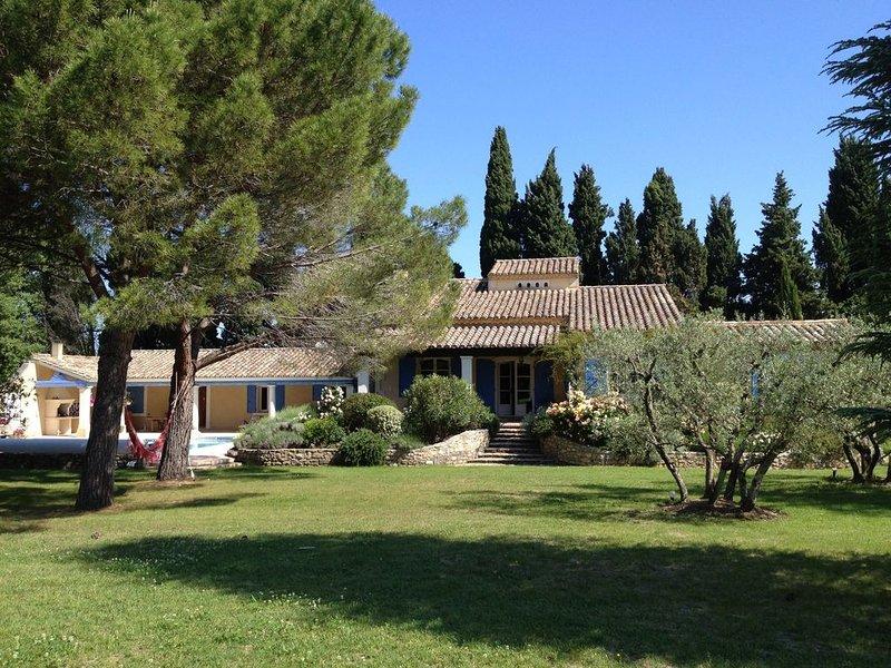 MAS DE PRESTIGE, INTIMITE ET ART DE VIVRE EN PROVENCE, casa vacanza a Mas-Blanc-des-Alpilles