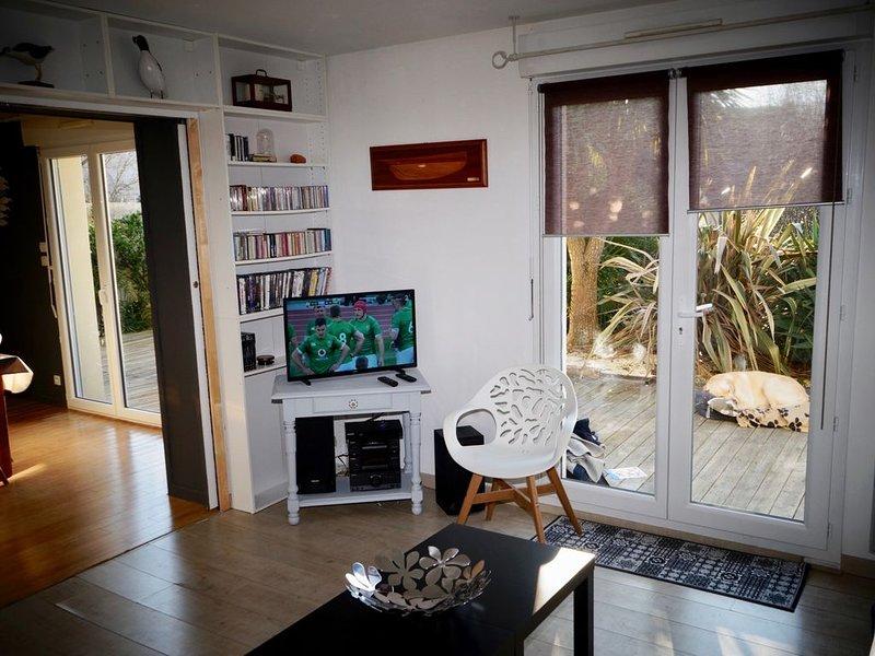 Maison 700 mètres de la plage classée 2 étoiles, holiday rental in Arzon