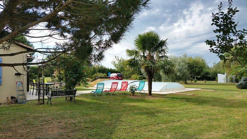 Gite pour 6 personnes avec piscine privée. Entre Sarlat et Montignac Lascaux, holiday rental in La Chapelle-Aubareil
