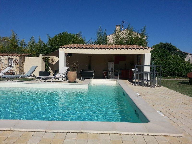 casa de la piscina en su conjunto, acceso directo para refrescarse en la piscina