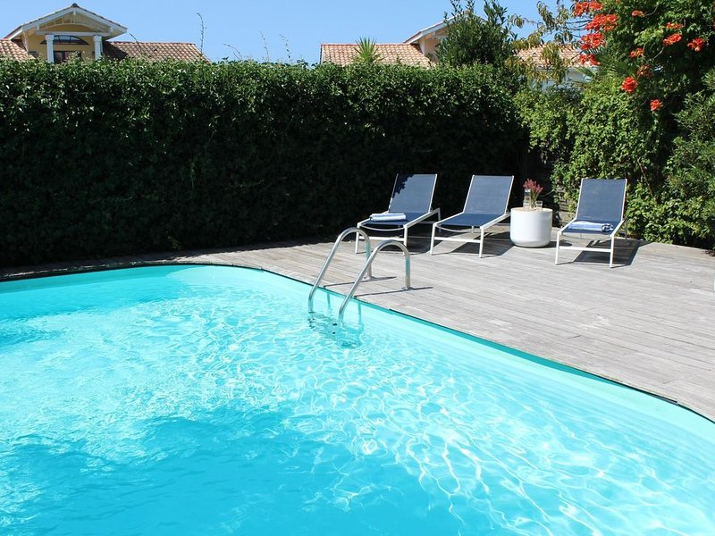 Villa-Golf de Moliets - piscine privée au sel et chauffée, holiday rental in Moliets et Maa