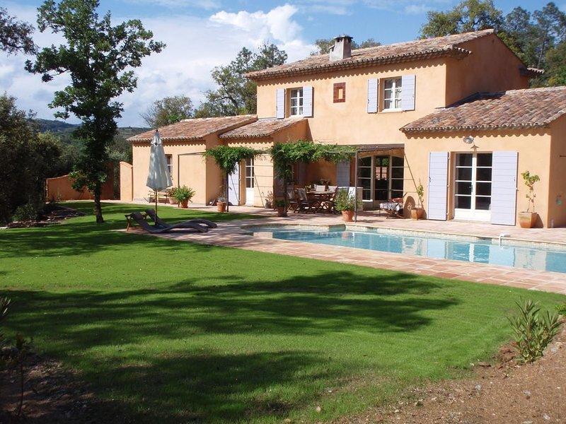 Villa  de charme avec piscine  a la campagne Proche de St TROPEZ, vacation rental in Cogolin