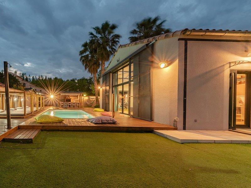 Magnifique LOFT avec piscine privée  - 12 personnes, vacation rental in Rivesaltes