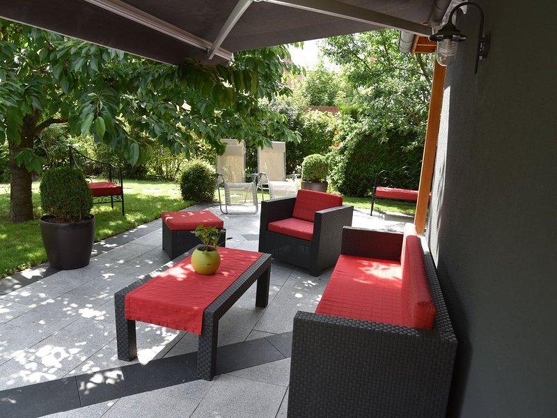 Le Cerisier: superbe propriété tout confort avec chambres climatisées et jardin., holiday rental in Aubure
