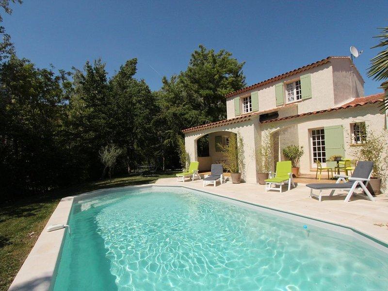 Villa avec jardin et piscine privée (classée 3 étoiles), alquiler de vacaciones en Apt