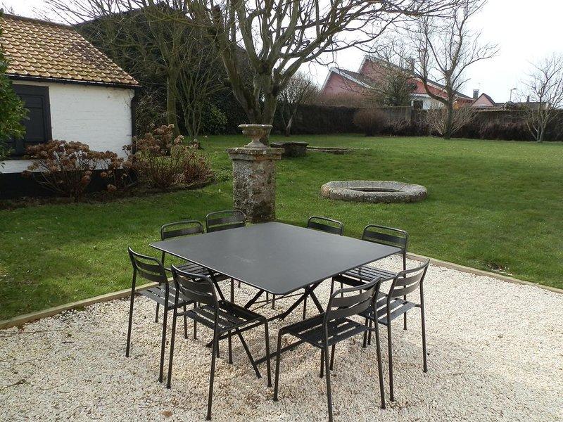 Villa typique de Wimereux avec jardin à 100 m de la mer, holiday rental in Wimereux
