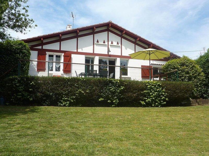 Maison traditionnelle basque, charme, calme et indépendance et proche des plages, casa vacanza a Arbonne