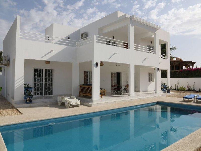 Villa de Standing avec piscine privée (10X4,5) - Wifi - 4h de ménage inclus, alquiler vacacional en Senegal
